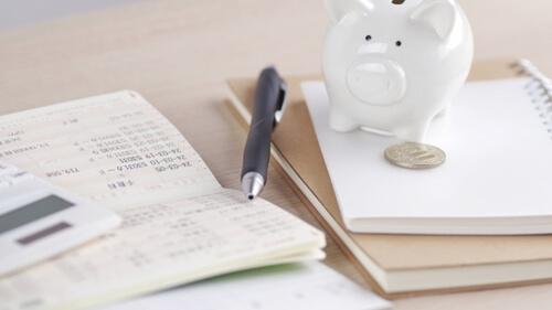 仮受金と未収入金の違いを解説しました